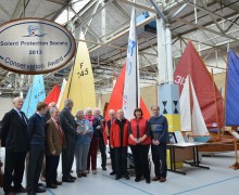 Presenting the award to Classic Boat Museum, Cowes